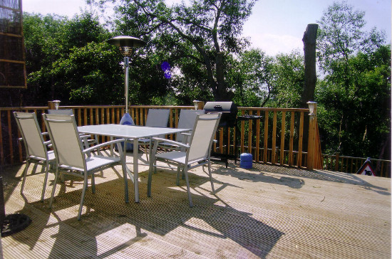 Landscapers covering stockton wynyard hartlepool for Garden decking middlesbrough